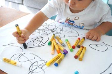 絵を描く子ども 大人の理科