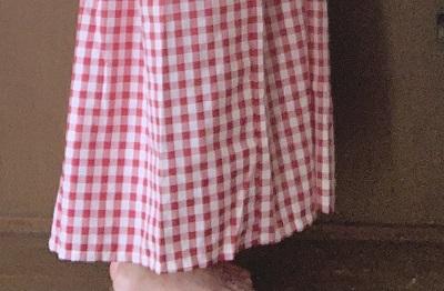 ワンピースの裾が長い